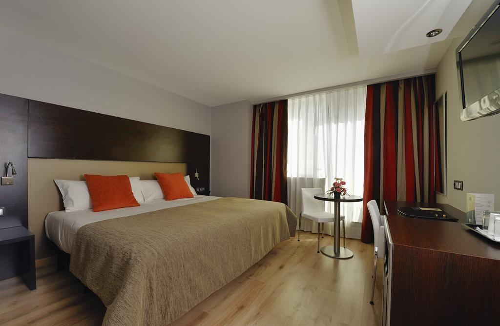 HOTEL ABBA GRANADA - Paquete dorsal + alojamiento