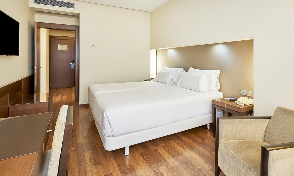 HOTEL NH PLAZA DE ARMAS EXCLUSIVIDAD RESERVA 1 NOCHE